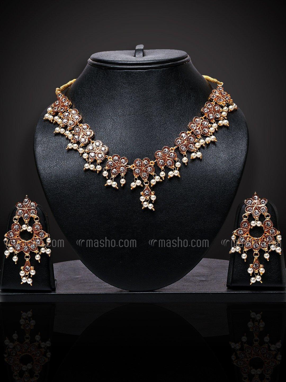 Awadhi Handmade Kundan High Quality Brass Golden Polish Necklace Set With Meenakari Work In Golden