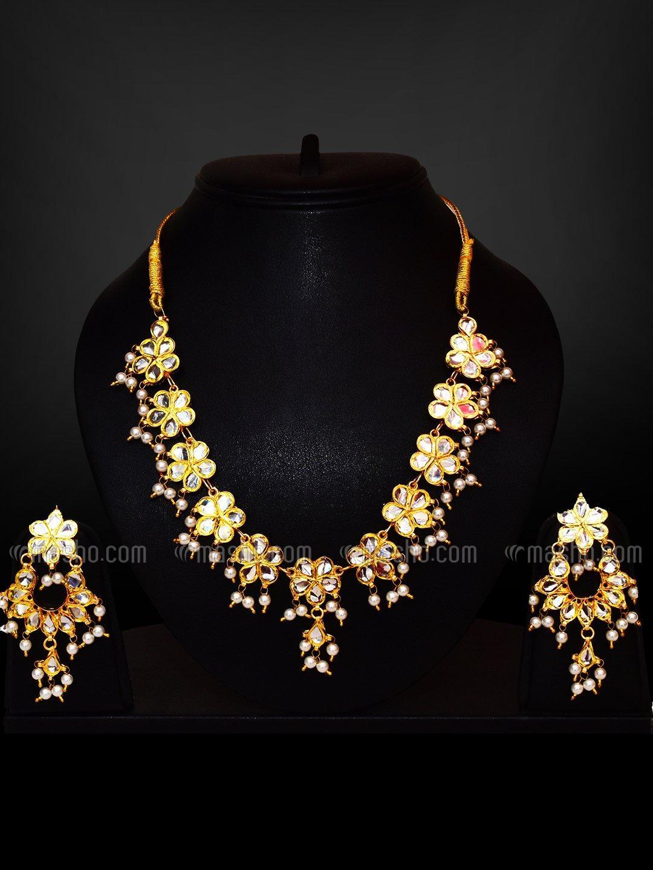 Awadhi Handmade Kundan High Quality Brass Golden Polish Necklace Set In Golden