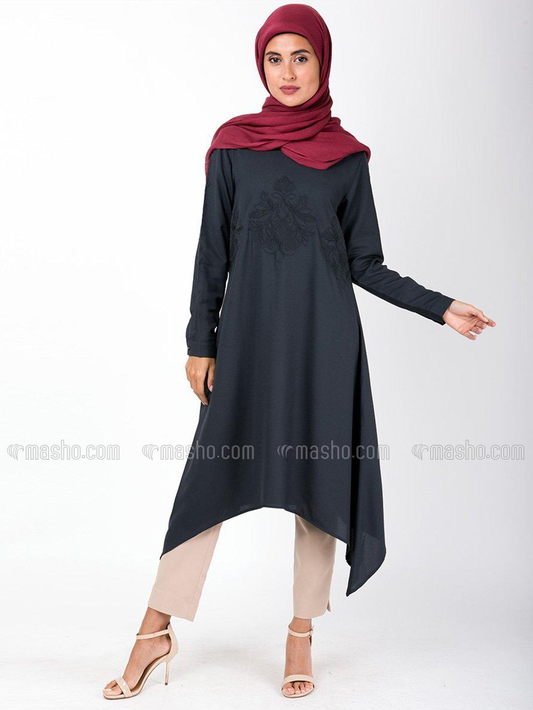 100% Summer Cool Polyester Midi Dress With Handkerchief Embroidered In Black