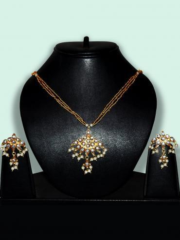 Awadhi Kundan Handmade High Quality Brass Golden Polish Pendant Set With Meenakari Work In Golden