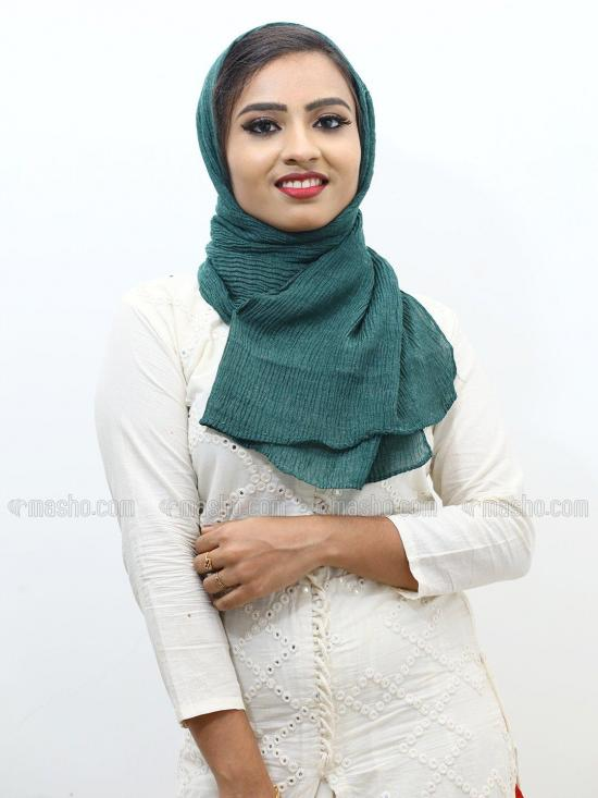 Crinkled Cotton Plain Stole In Pine Colour