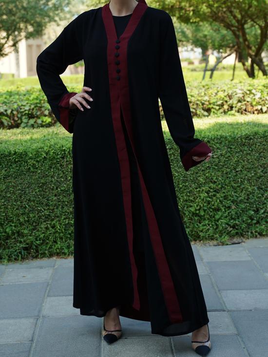 Masha Crepe Free Size Abaya With Attached Shrug In Black With Maroon Border